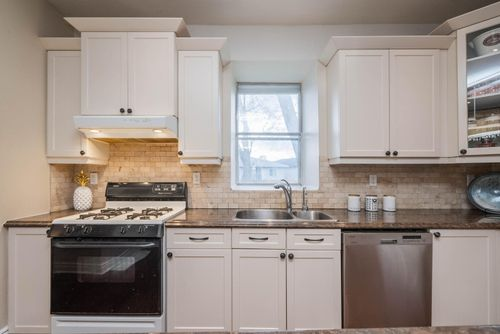 948-port-union-road-large-023-018-kitchen-1498x1000-72dpi at 948 Port Union Road, Centennial Scarborough, Toronto