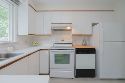 51-caronport-crescent-print-019-020-kitchen-4200x2800-300dpi at 51 Caronport Crescent, Parkwoods-Donalda, Toronto