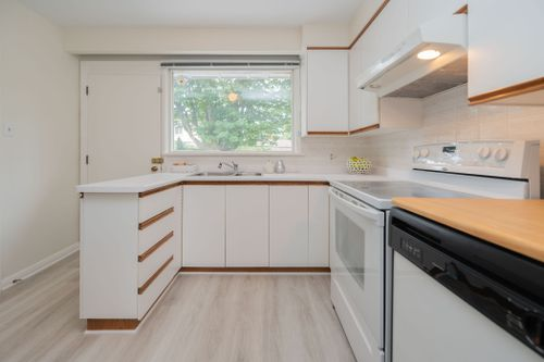 51-caronport-crescent-print-020-013-kitchen-4200x2800-300dpi at 51 Caronport Crescent, Parkwoods-Donalda, Toronto