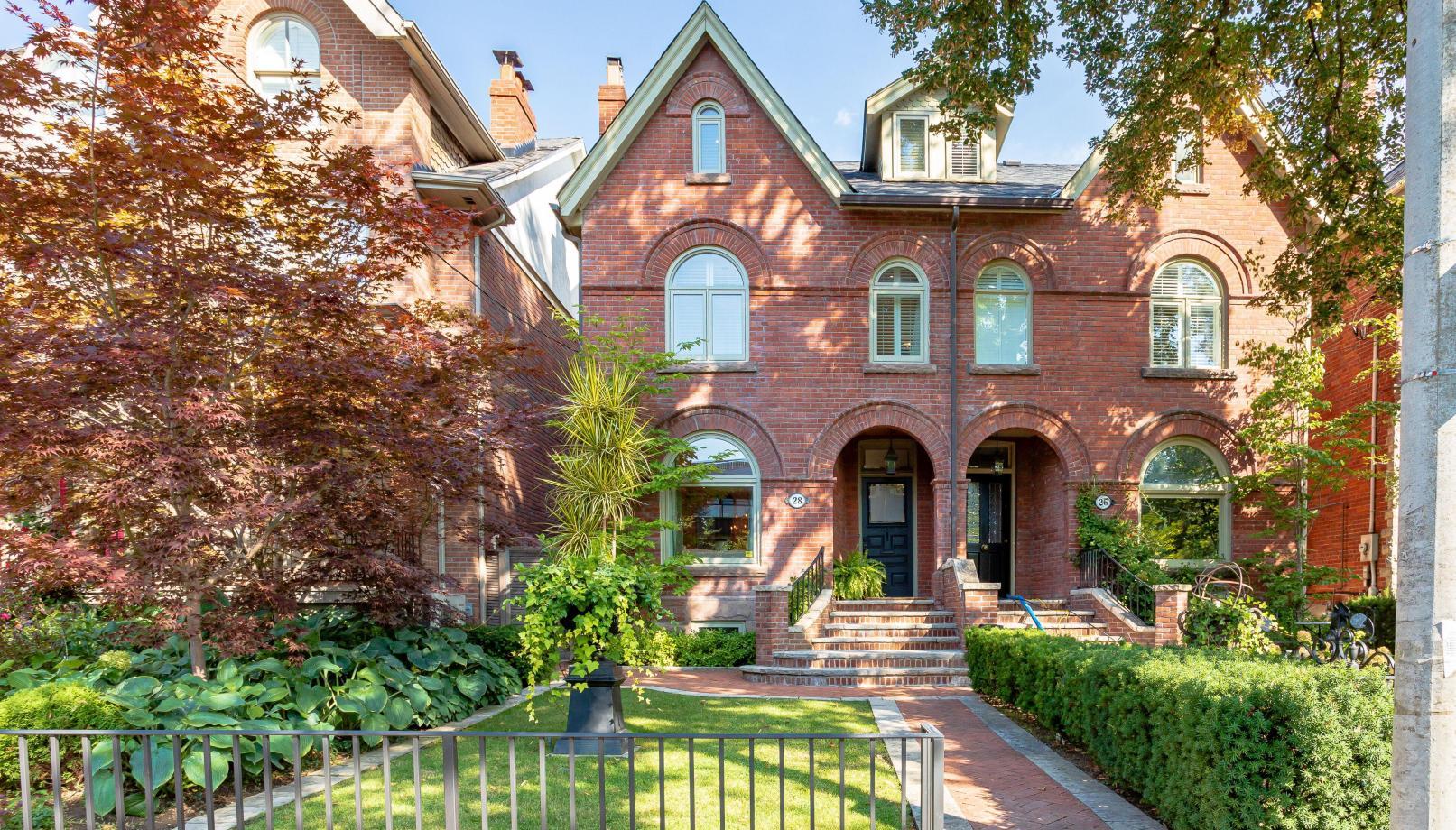 28 Farnham Avenue, Yonge-St. Clair, Toronto