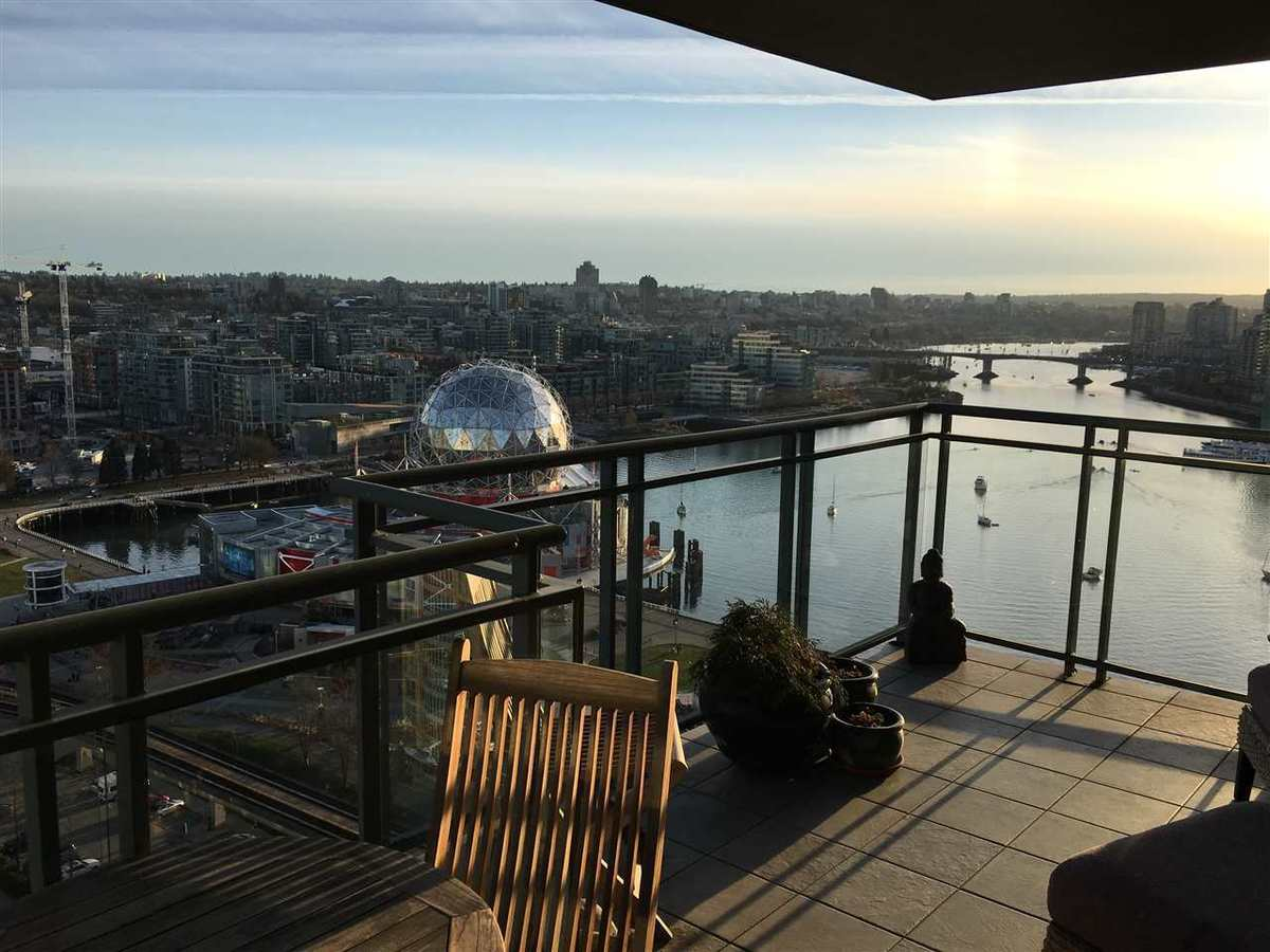 1088-quebec-street-mount-pleasant-ve-vancouver-east-03 at 2201 - 1088 Quebec Street, Mount Pleasant VE, Vancouver East