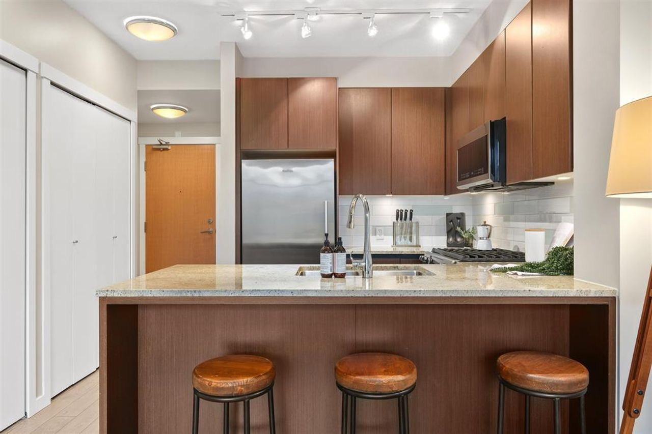 262641809-1 at 512 - 135 W 2nd Street, Lower Lonsdale, North Vancouver