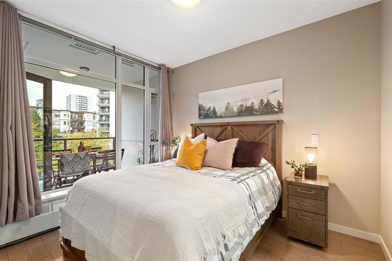 262641809-10 at 512 - 135 W 2nd Street, Lower Lonsdale, North Vancouver
