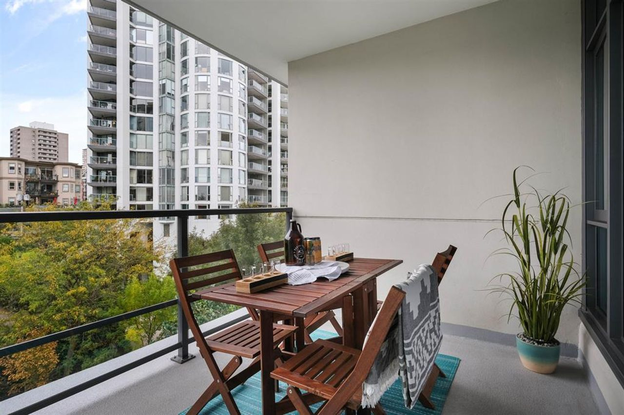 262641809-15 at 512 - 135 W 2nd Street, Lower Lonsdale, North Vancouver