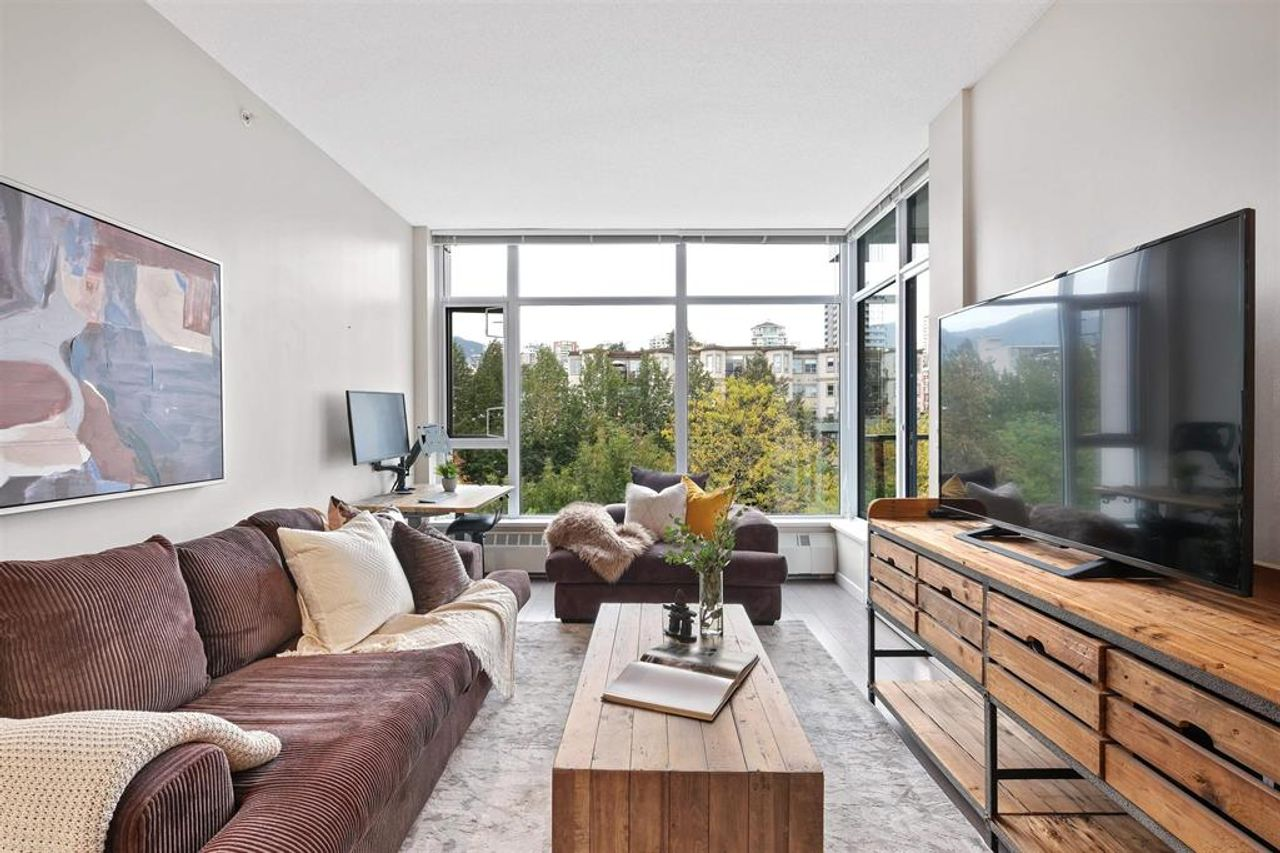262641809-5 at 512 - 135 W 2nd Street, Lower Lonsdale, North Vancouver