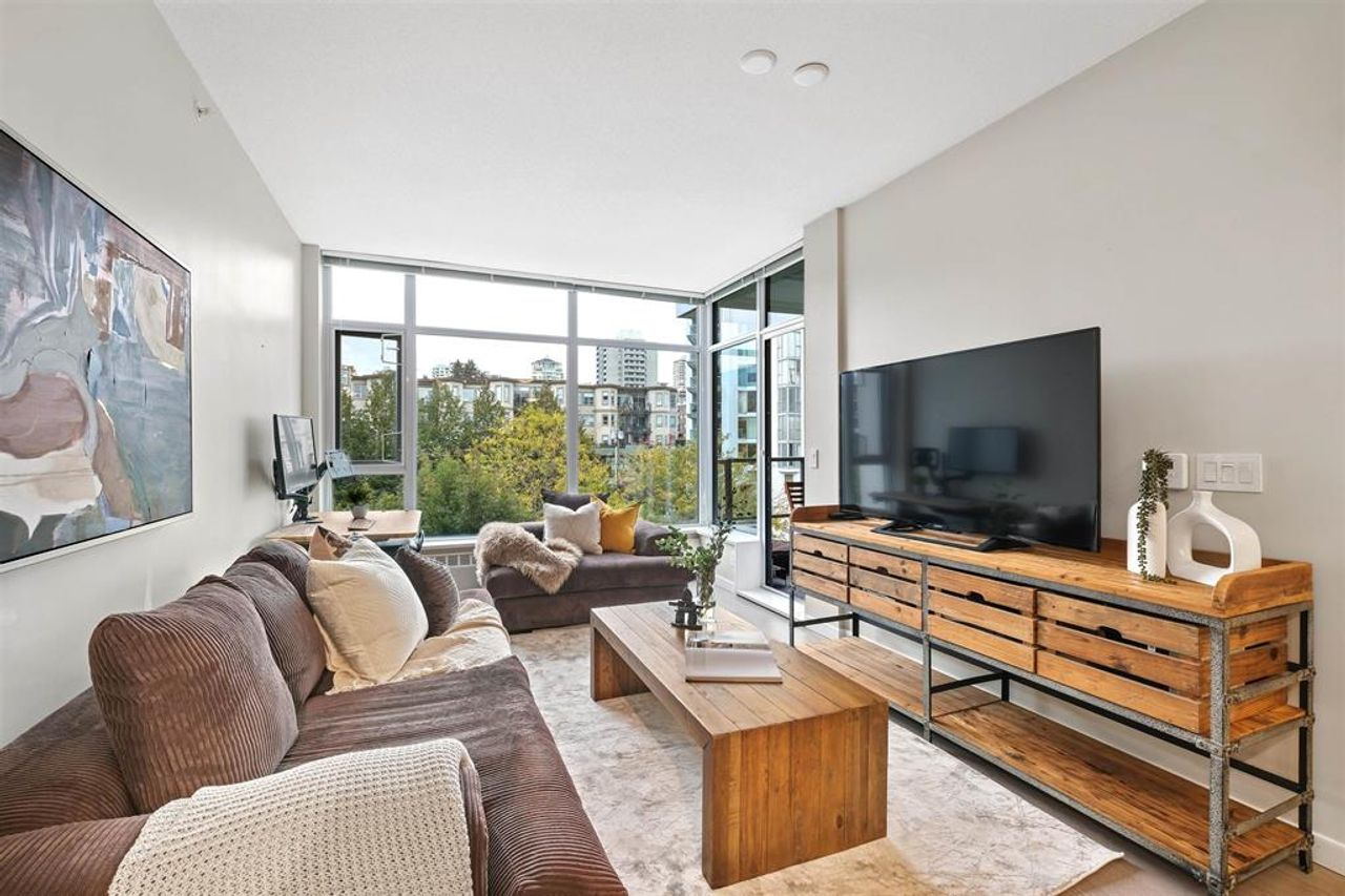 262641809-9 at 512 - 135 W 2nd Street, Lower Lonsdale, North Vancouver