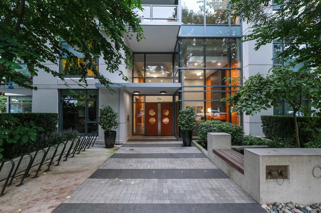 262641809 at 512 - 135 W 2nd Street, Lower Lonsdale, North Vancouver