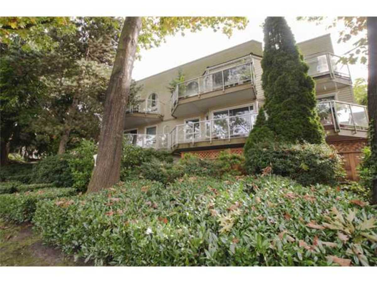 image-261294877-1.jpg at 101 - 827 West 16th Street, Hamilton, North Vancouver