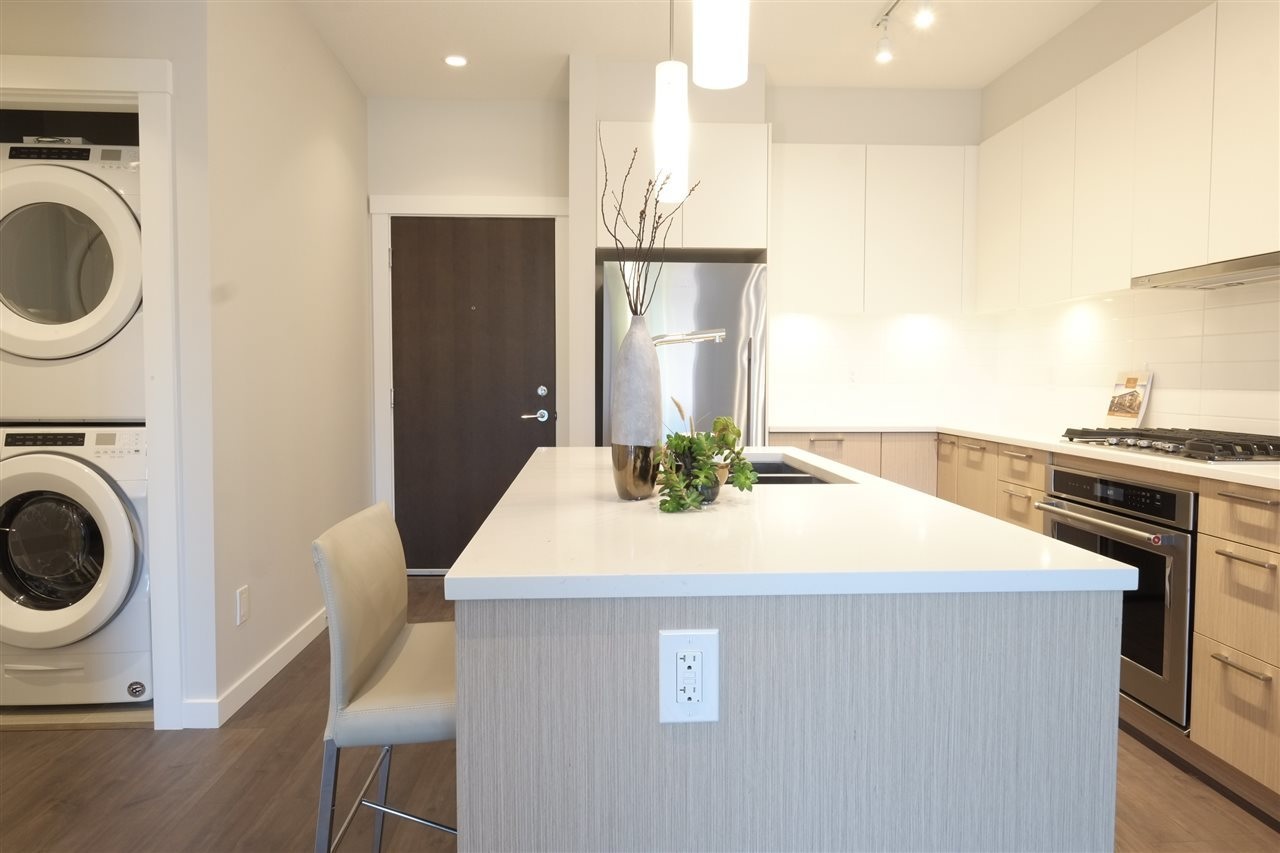 13 at 210 - 625 E 3rd Street, Lower Lonsdale, North Vancouver