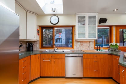 13 at 6860 Hycroft Road, Whytecliff, West Vancouver