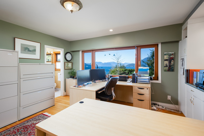30 at 6860 Hycroft Road, Whytecliff, West Vancouver