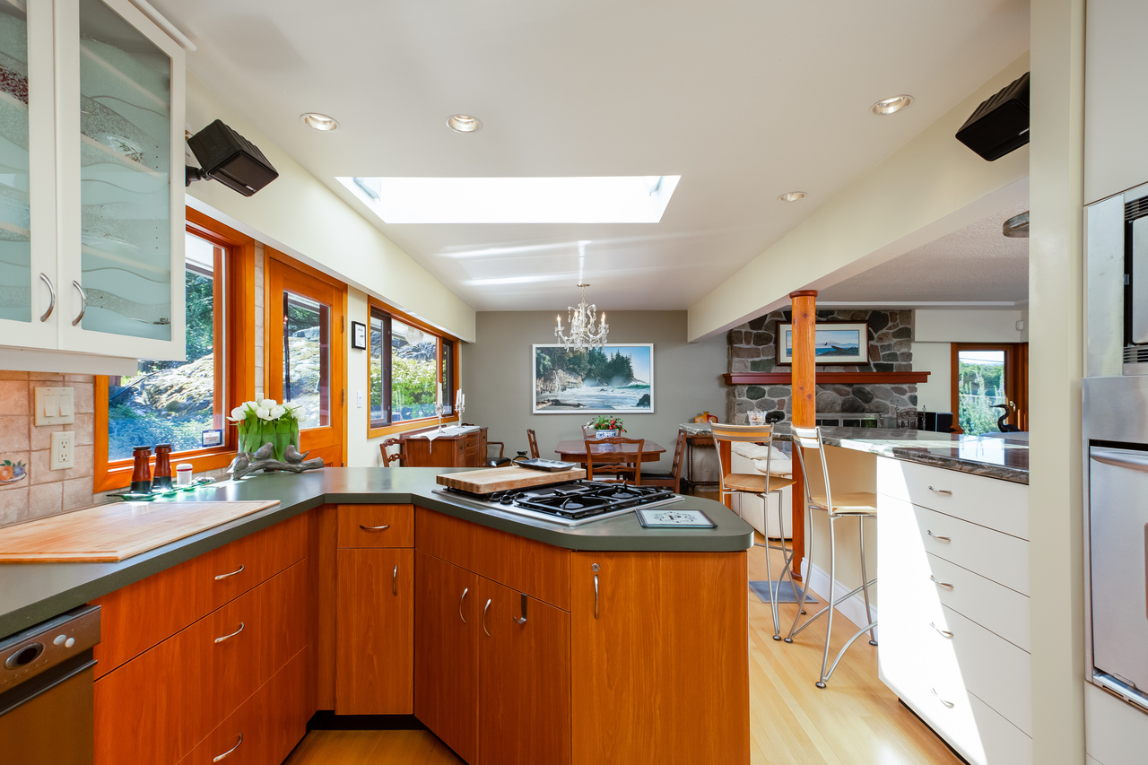 14 at 6860 Hycroft Road, Whytecliff, West Vancouver