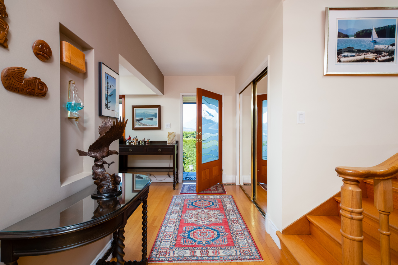 16 at 6860 Hycroft Road, Whytecliff, West Vancouver