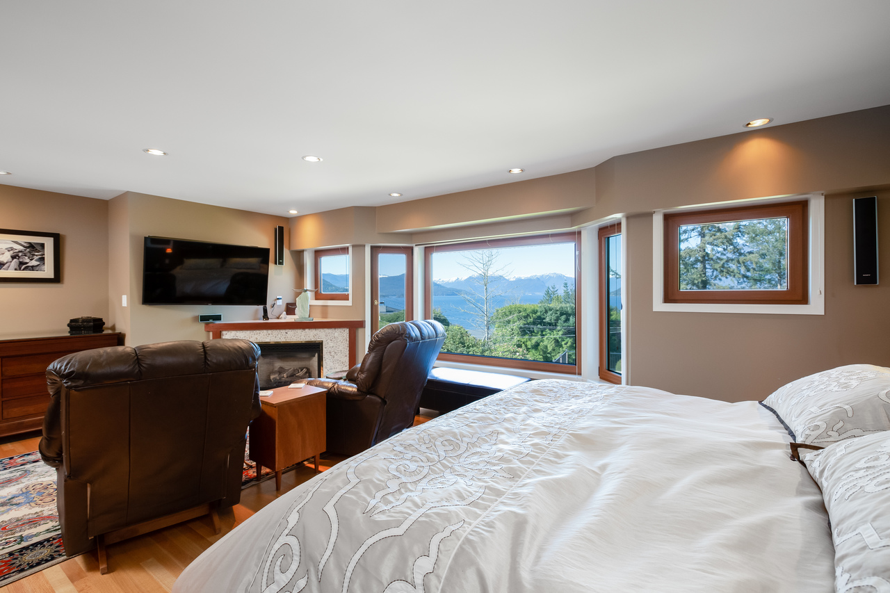 18 at 6860 Hycroft Road, Whytecliff, West Vancouver