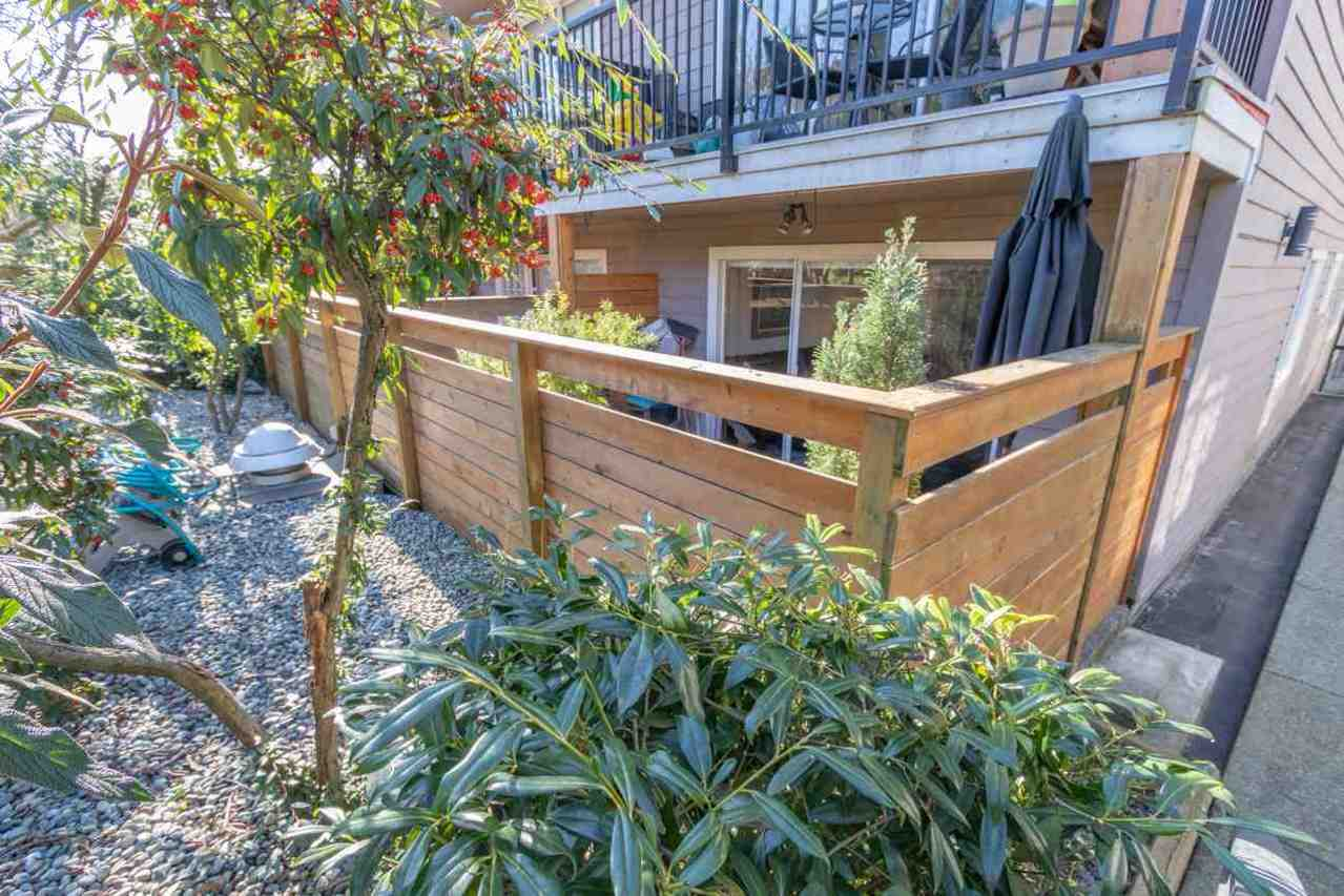 deck-fence at 2 - 137 E 5th Street, Lower Lonsdale, North Vancouver