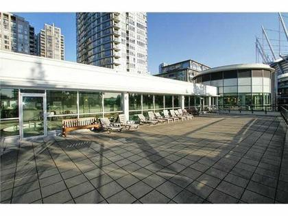 Roof at 1711 - 939 Expo Boulevard, Yaletown, Vancouver West