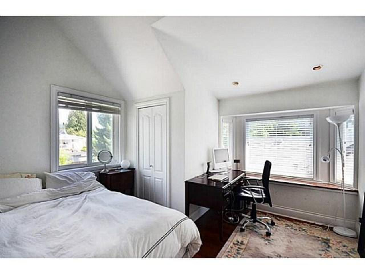 Bed-2 at 2556 Chesterfield Avenue, Upper Lonsdale, North Vancouver