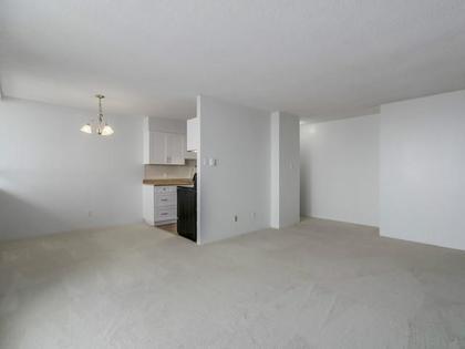 Dining-Room at 2105 - 4160 Sardis,