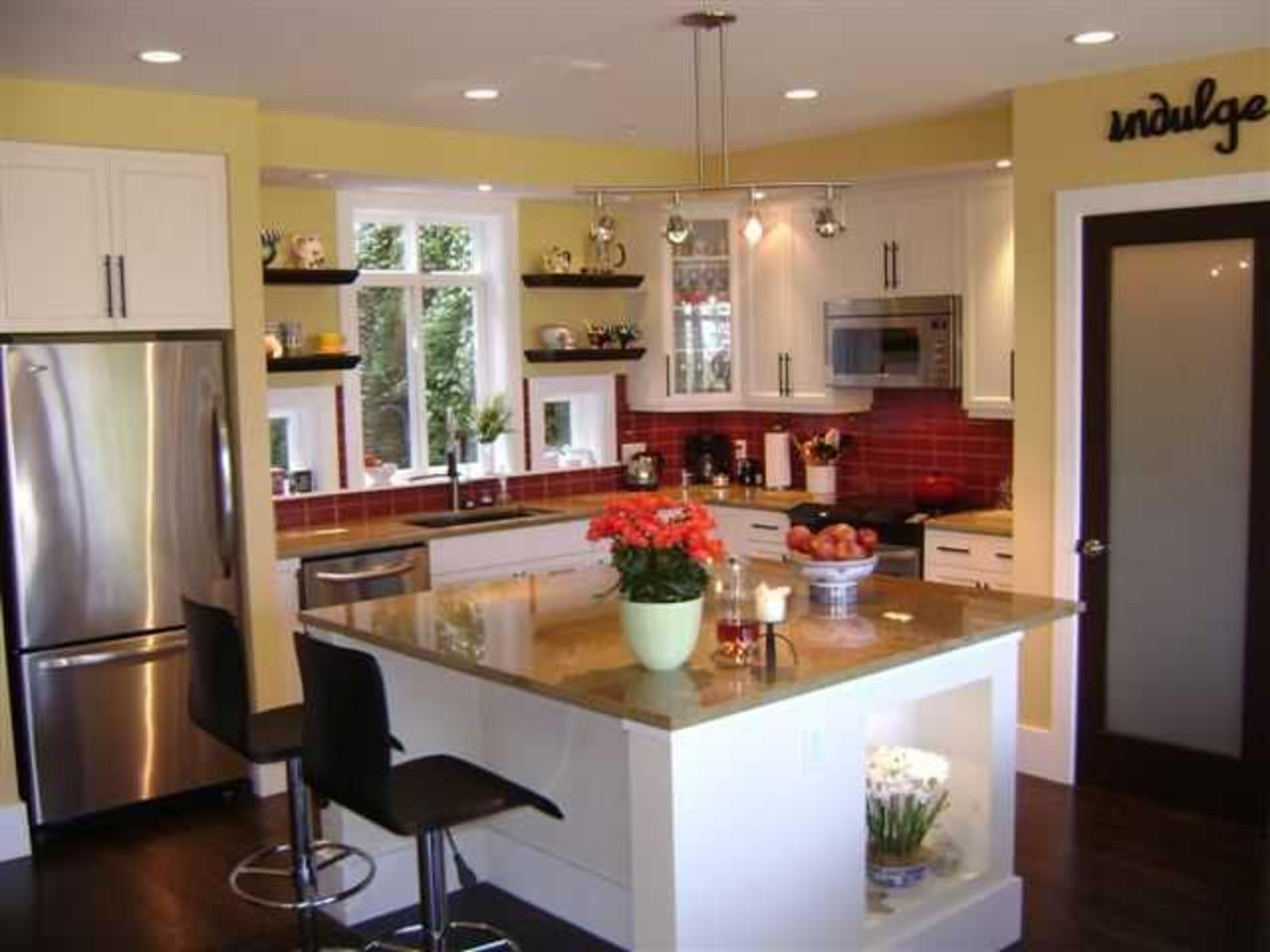 Kitchen at 51 Salal Court, Furry Creek, West Vancouver