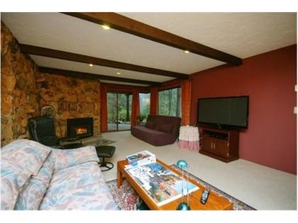 Family-Room at 570 Bayview Road, Lions Bay, West Vancouver