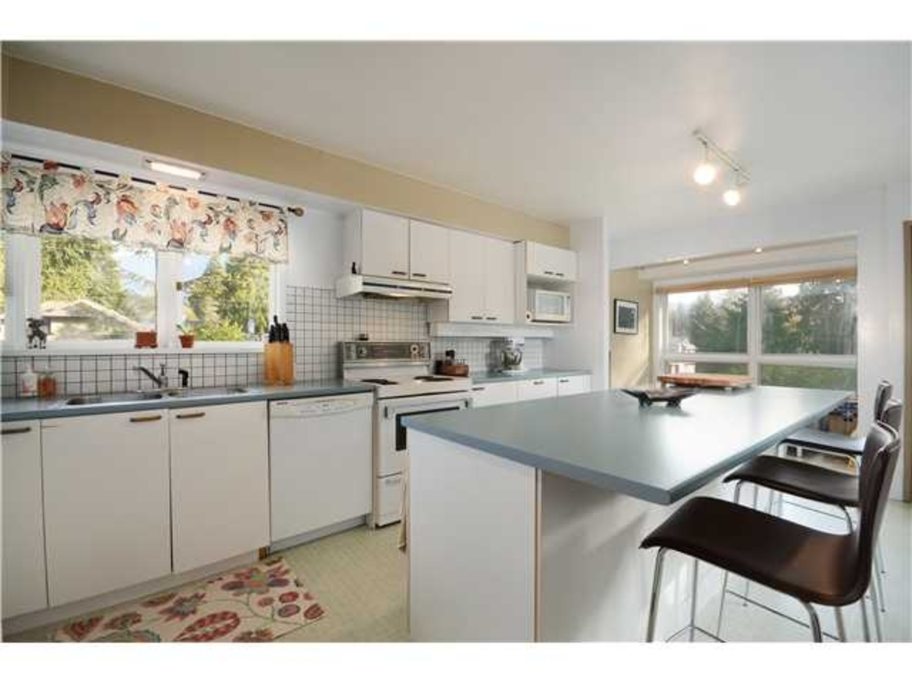 Kitchen at 2980 Thorncliffe Drive, Edgemont, North Vancouver