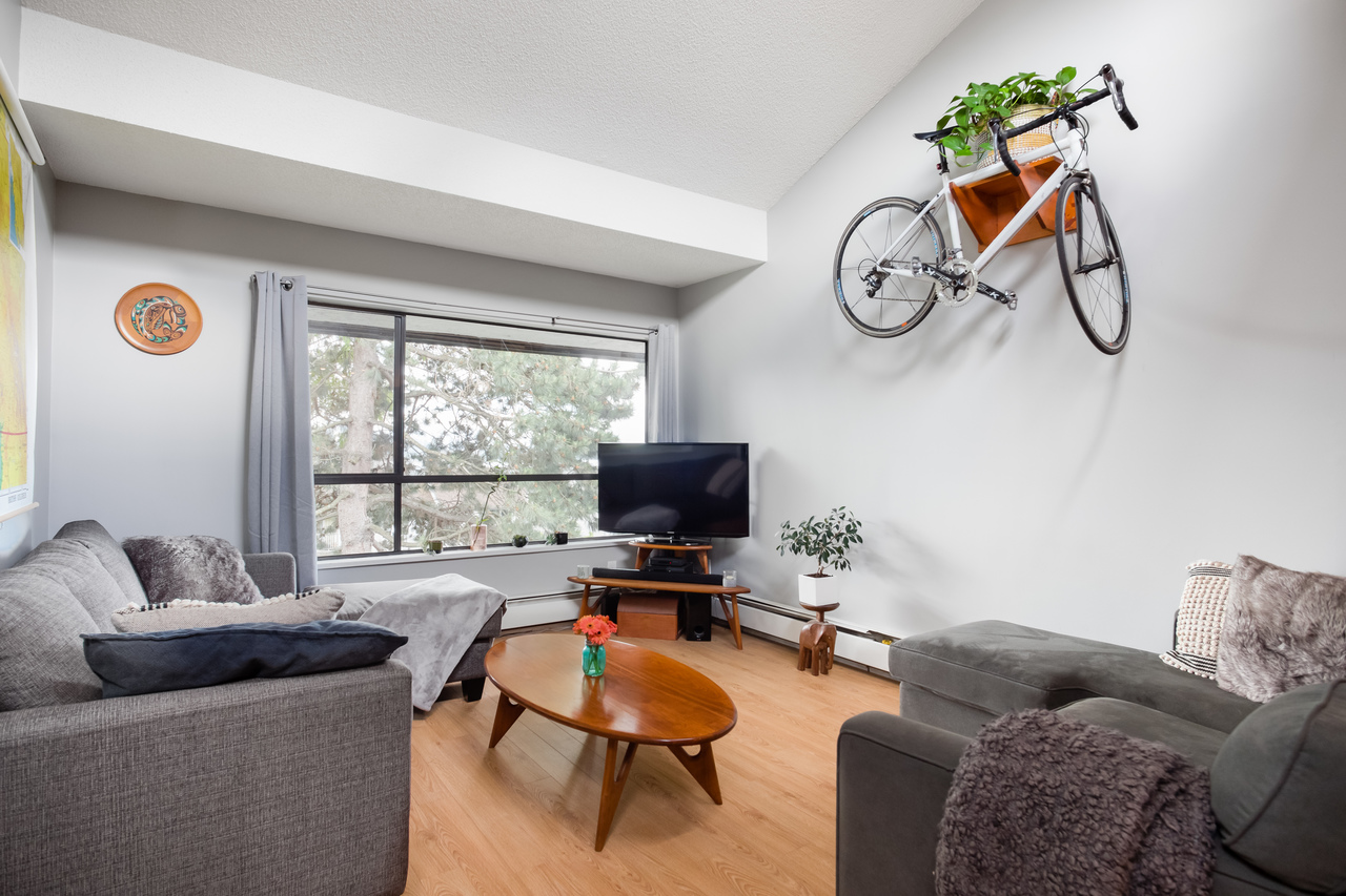 330 - 210 W 2nd Street, Lower Lonsdale, North Vancouver