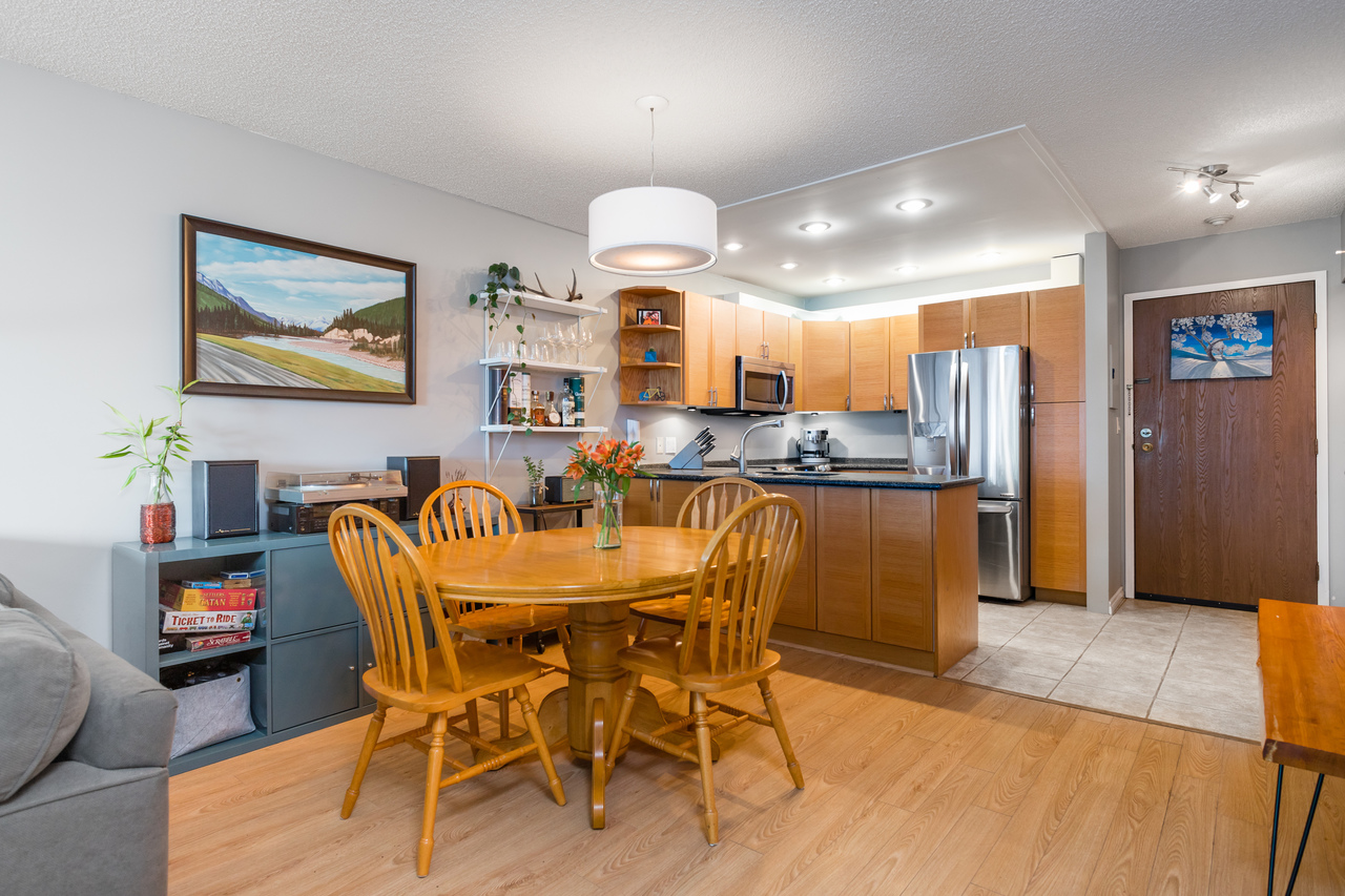 014 at 330 - 210 W 2nd Street, Lower Lonsdale, North Vancouver