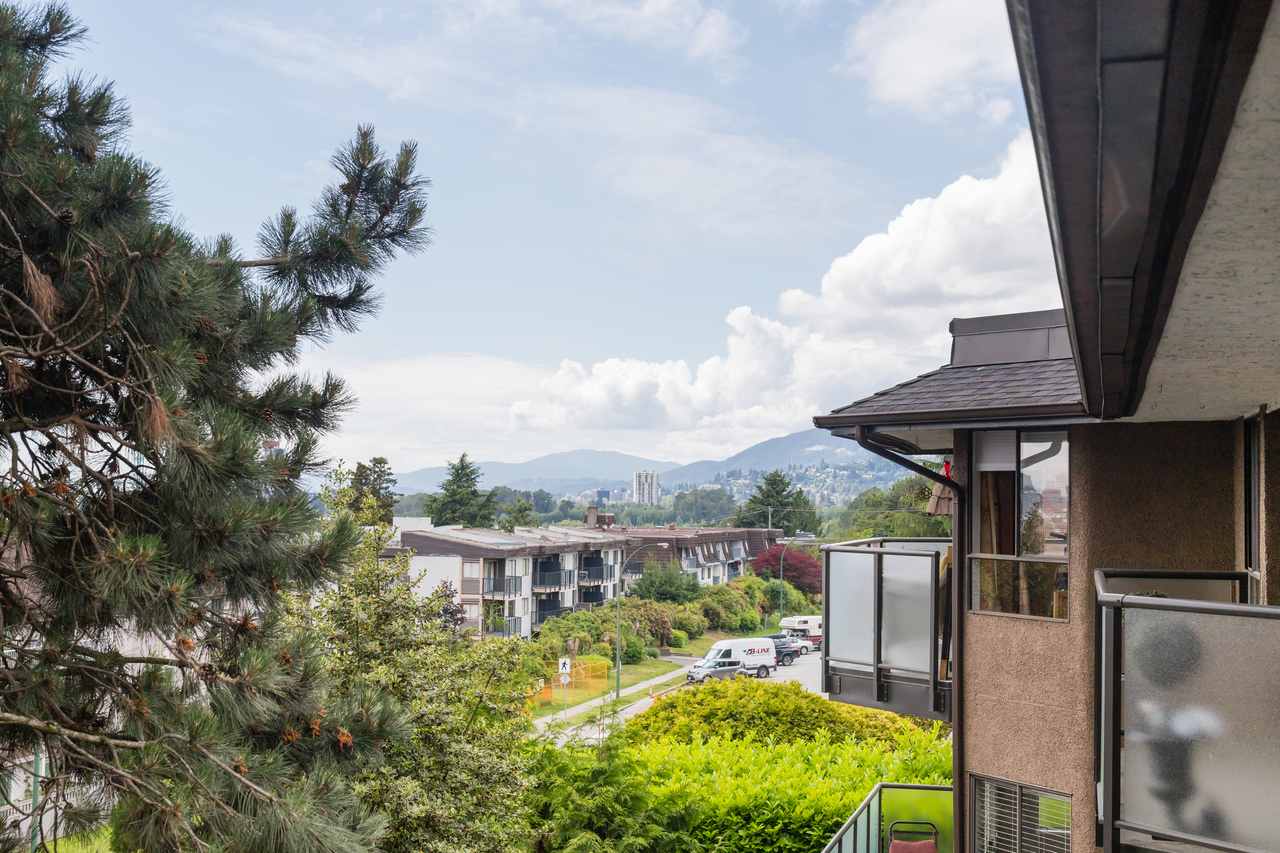 030 at 330 - 210 W 2nd Street, Lower Lonsdale, North Vancouver