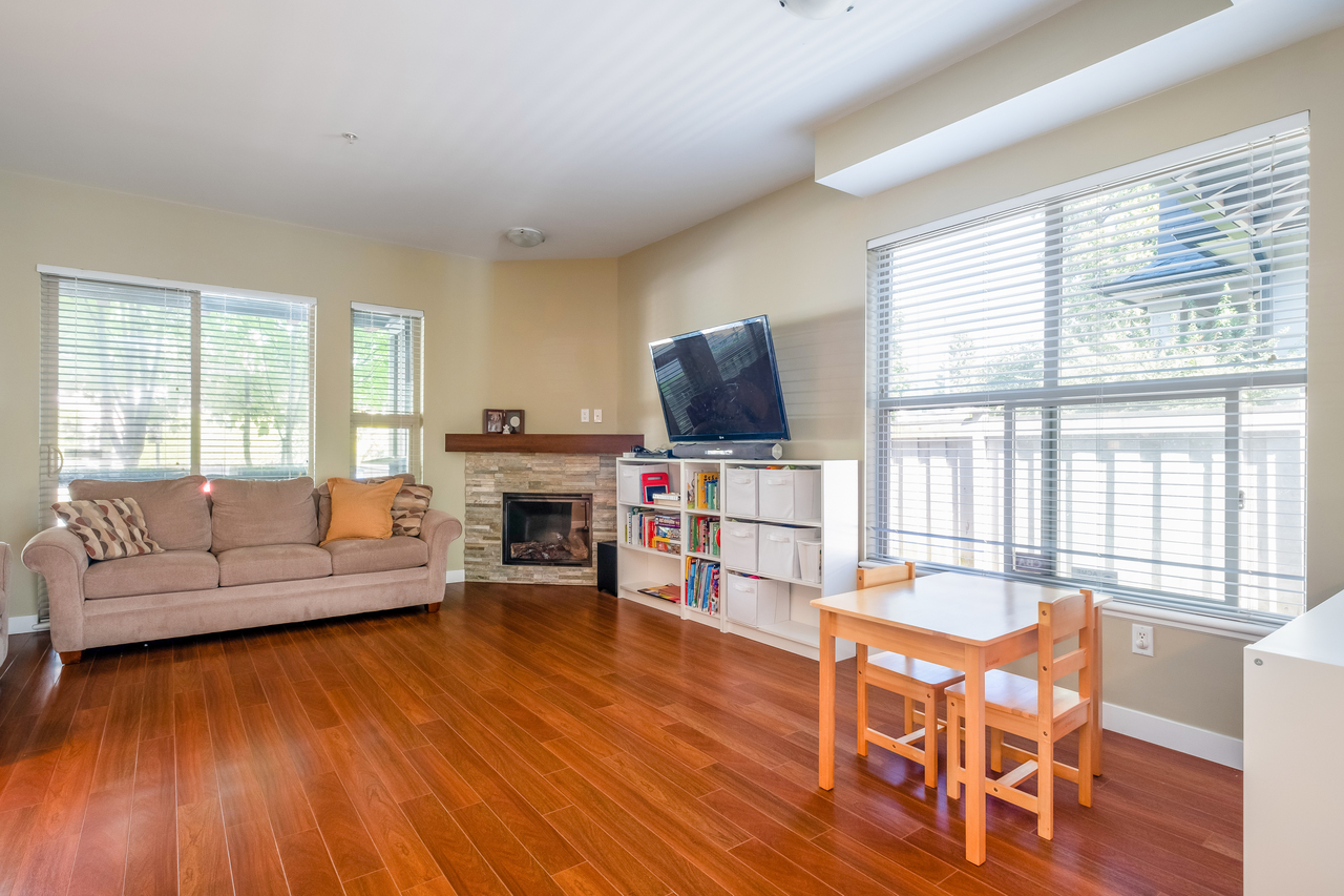 11 at 327 East 15th Street, Central Lonsdale, North Vancouver