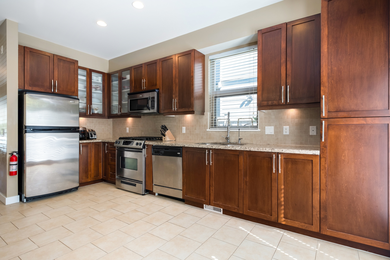 22 at 327 East 15th Street, Central Lonsdale, North Vancouver