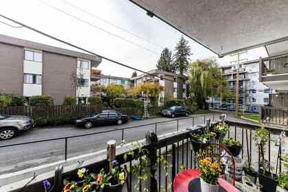 145-w-18th-street-central-lonsdale-north-vancouver-14 at 113 - 145 W 18th Street, Central Lonsdale, North Vancouver