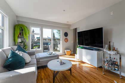 06 at 202 - 111 E 3rd Street, Lower Lonsdale, North Vancouver