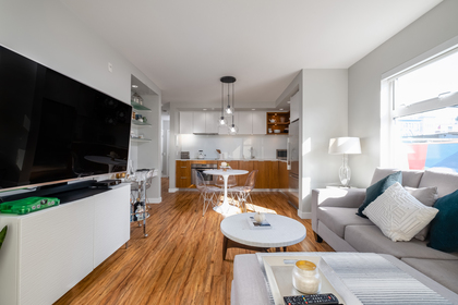 07 at 202 - 111 E 3rd Street, Lower Lonsdale, North Vancouver