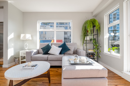 09 at 202 - 111 E 3rd Street, Lower Lonsdale, North Vancouver