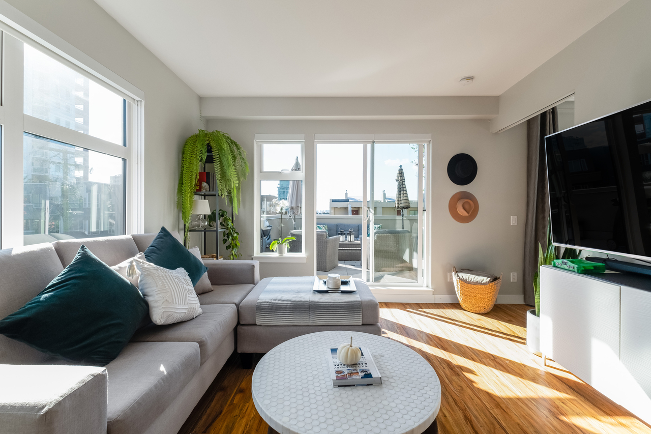 05 at 202 - 111 E 3rd Street, Lower Lonsdale, North Vancouver