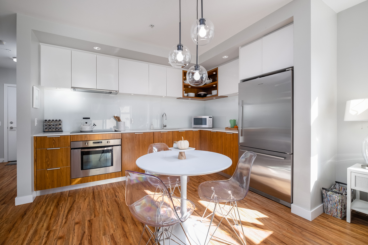 10 at 202 - 111 E 3rd Street, Lower Lonsdale, North Vancouver