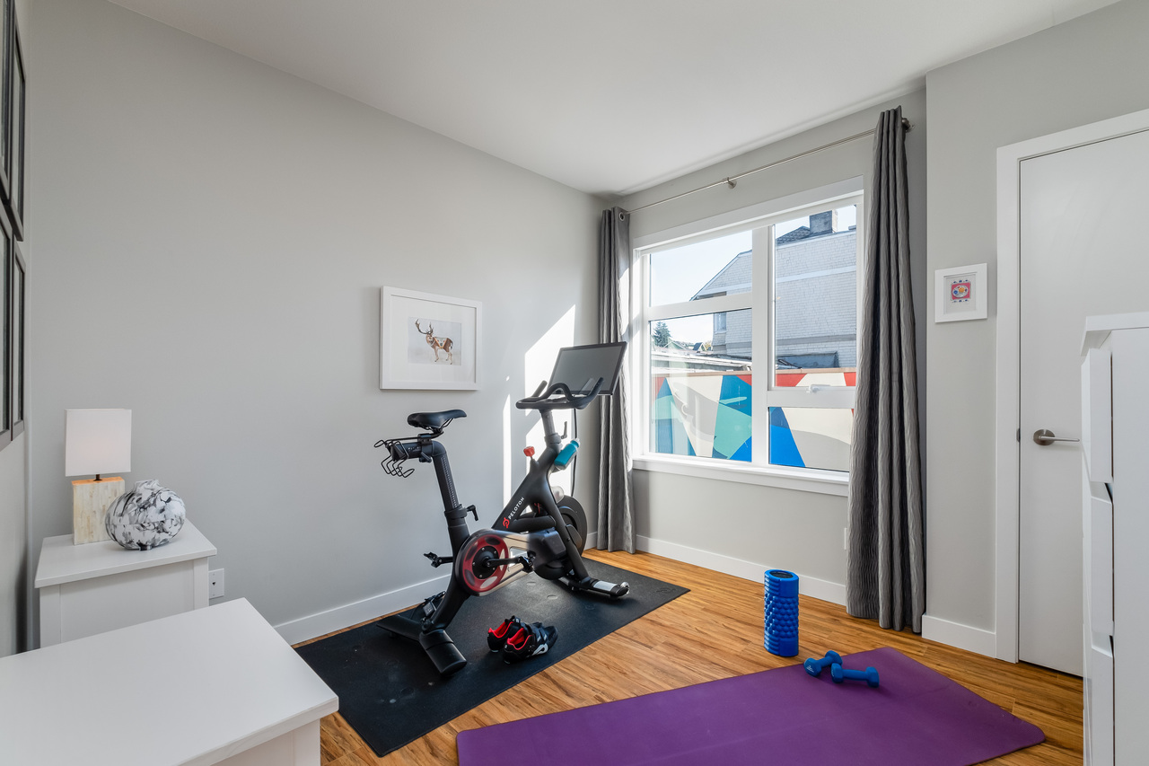 21 at 202 - 111 E 3rd Street, Lower Lonsdale, North Vancouver