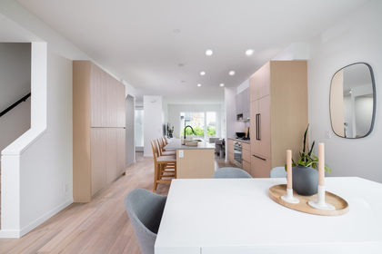 06-2 at 37 -  E 528 2nd Street, Queensbury, North Vancouver