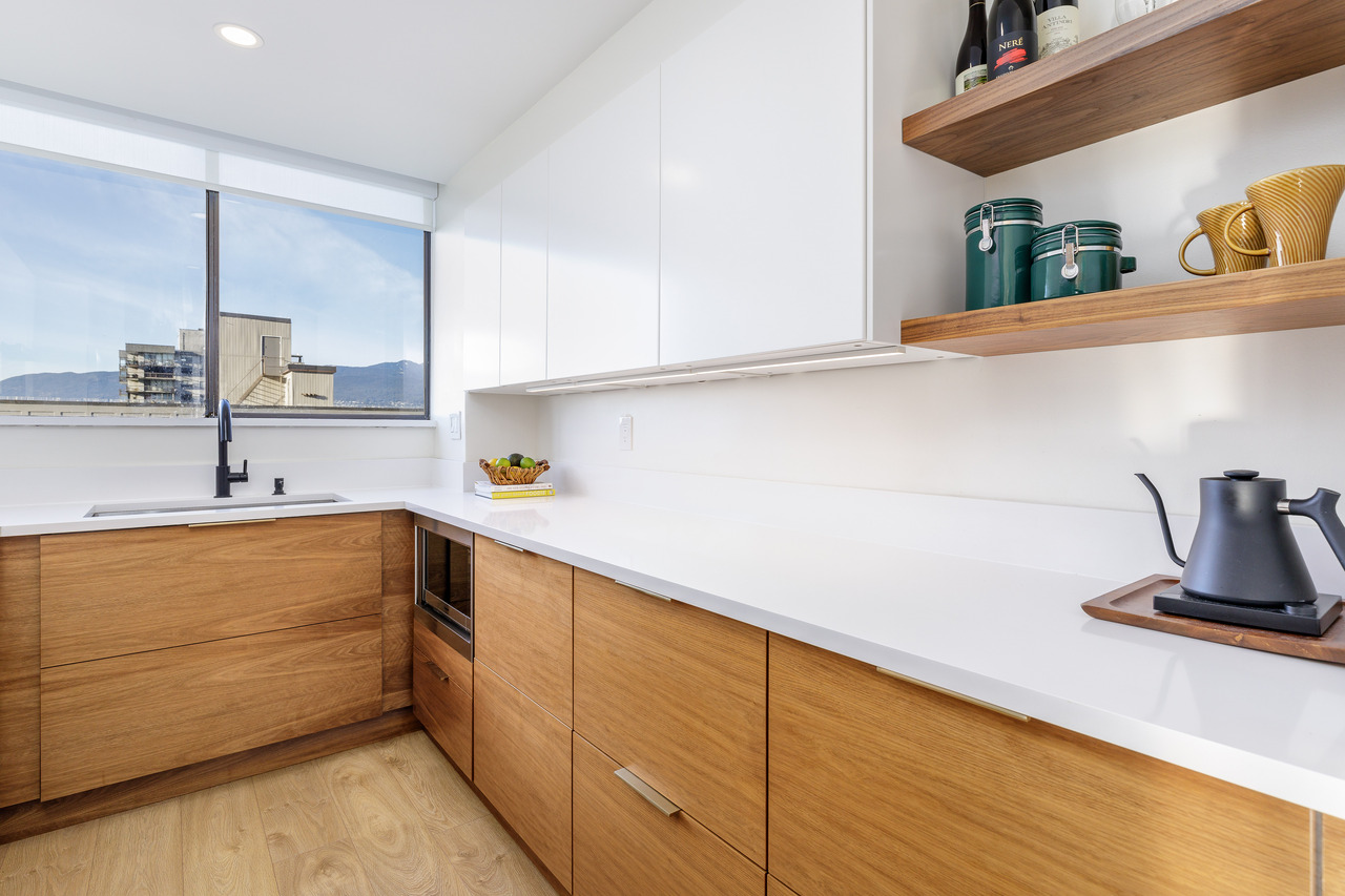 011 at 701 - 140 E Keith Road, Lower Lonsdale, North Vancouver