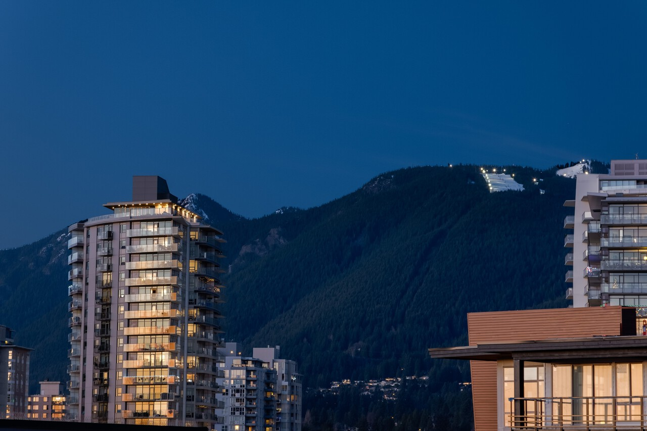 032 at 701 - 140 E Keith Road, Lower Lonsdale, North Vancouver