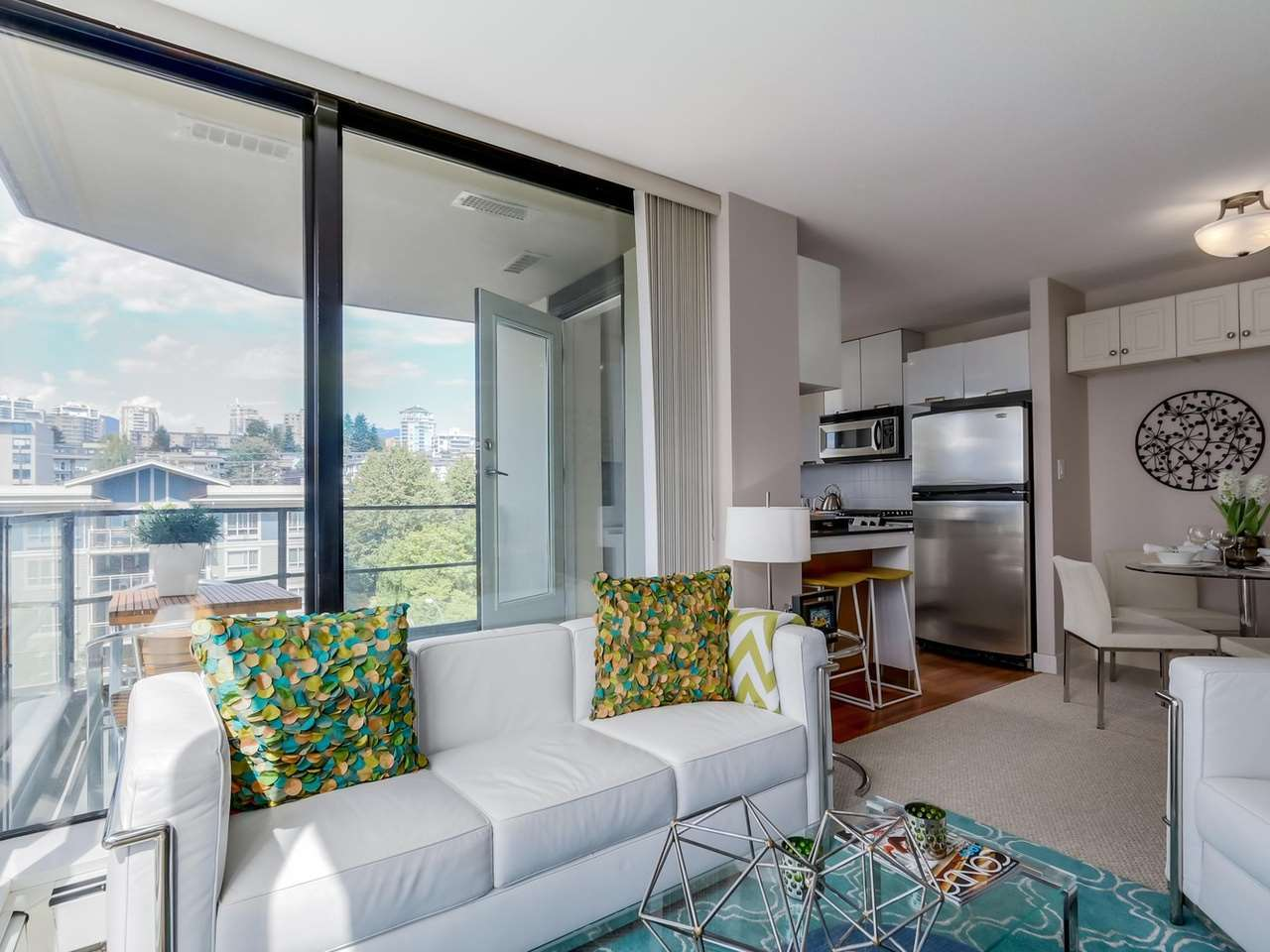 Living3 at 805 - 151 W 2nd Street, Lower Lonsdale, North Vancouver