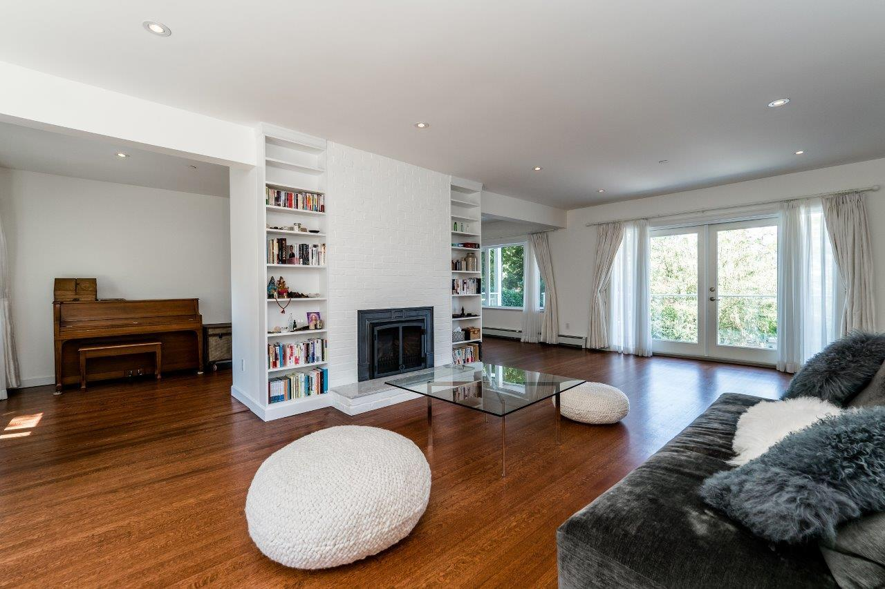 3997w10-3 at 3997 W 10th Avenue, Point Grey, Vancouver West
