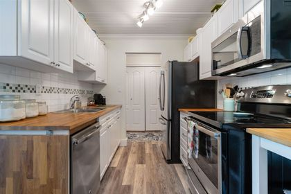 251-w-4th-street-lower-lonsdale-north-vancouver-08 at 201 - 251 W 4th Street, Lower Lonsdale, North Vancouver