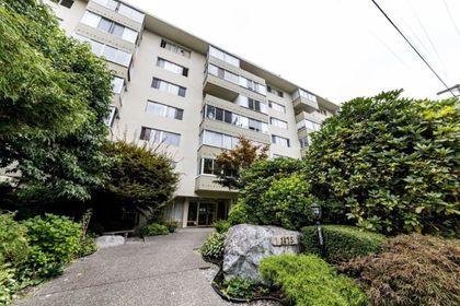 1425-esquimalt-avenue-ambleside-west-vancouver-18-1 at 115 - 1425 Esquimalt Avenue, Ambleside, West Vancouver