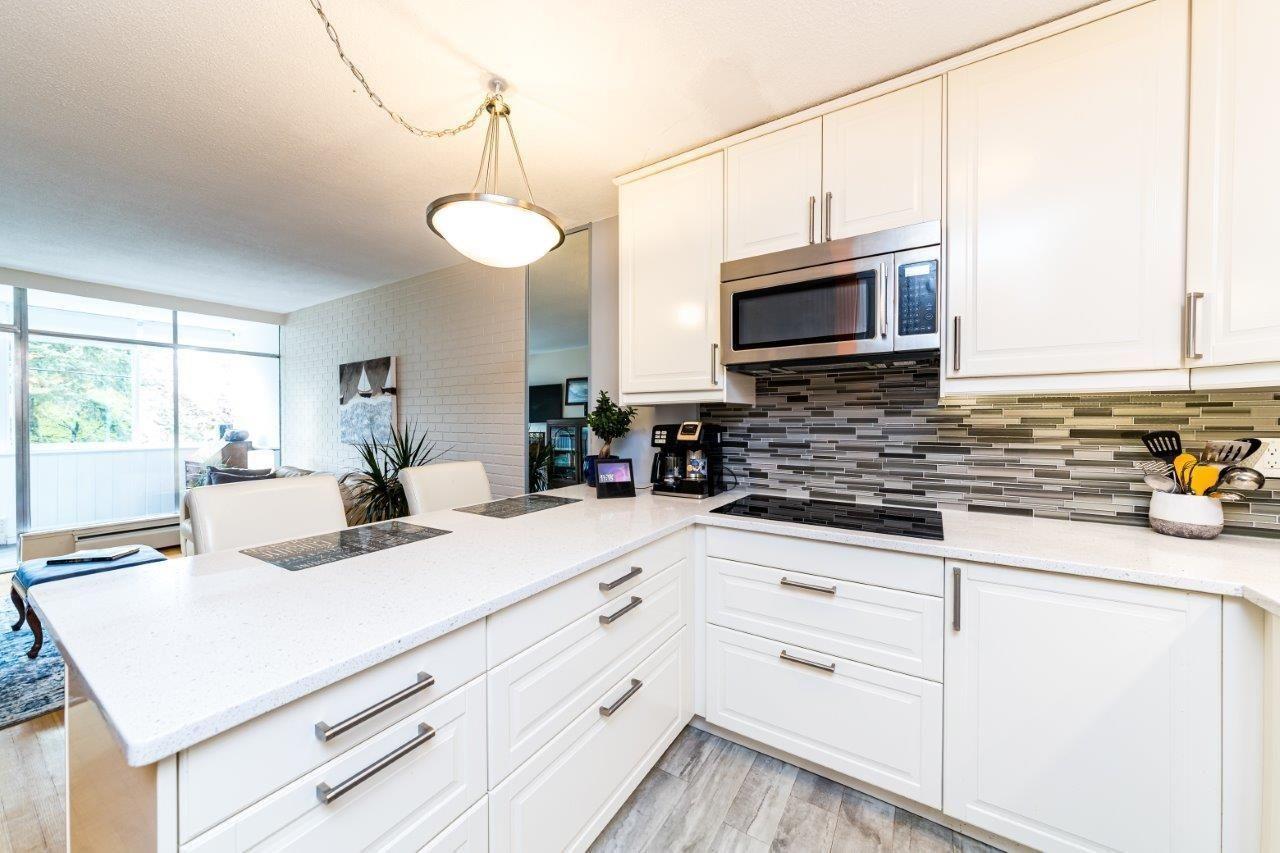 1425-esquimalt-avenue-ambleside-west-vancouver-02 at 115 - 1425 Esquimalt Avenue, Ambleside, West Vancouver