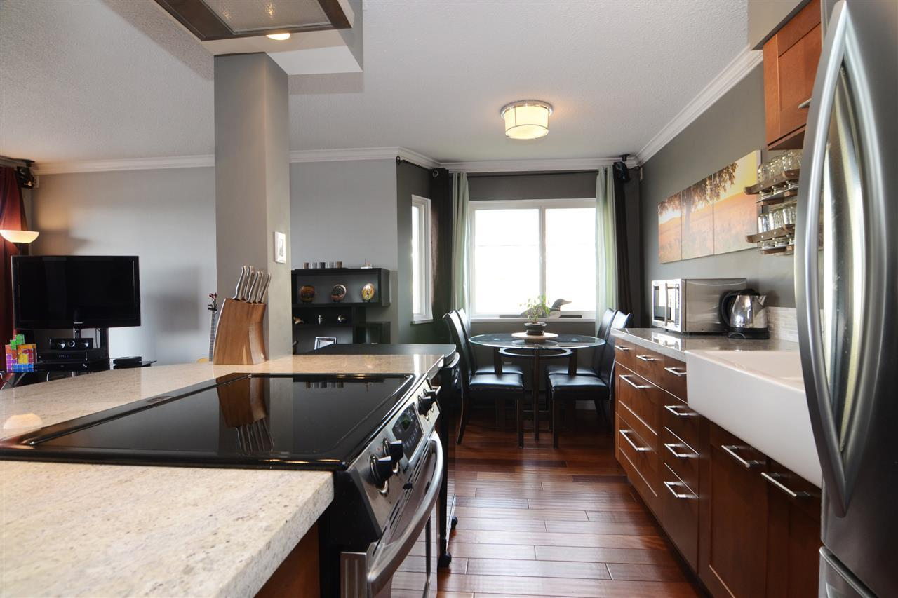 27th-4 at 204 - 107 W 27th St, Upper Lonsdale, North Vancouver