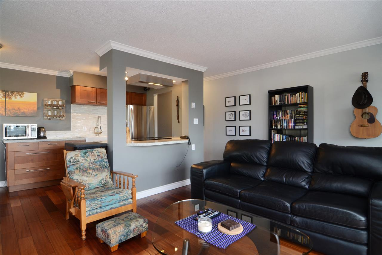27th-5 at 204 - 107 W 27th St, Upper Lonsdale, North Vancouver