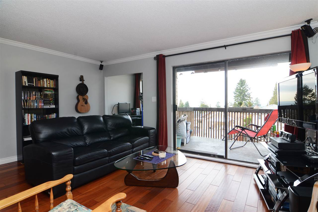 27th-6 at 204 - 107 W 27th St, Upper Lonsdale, North Vancouver