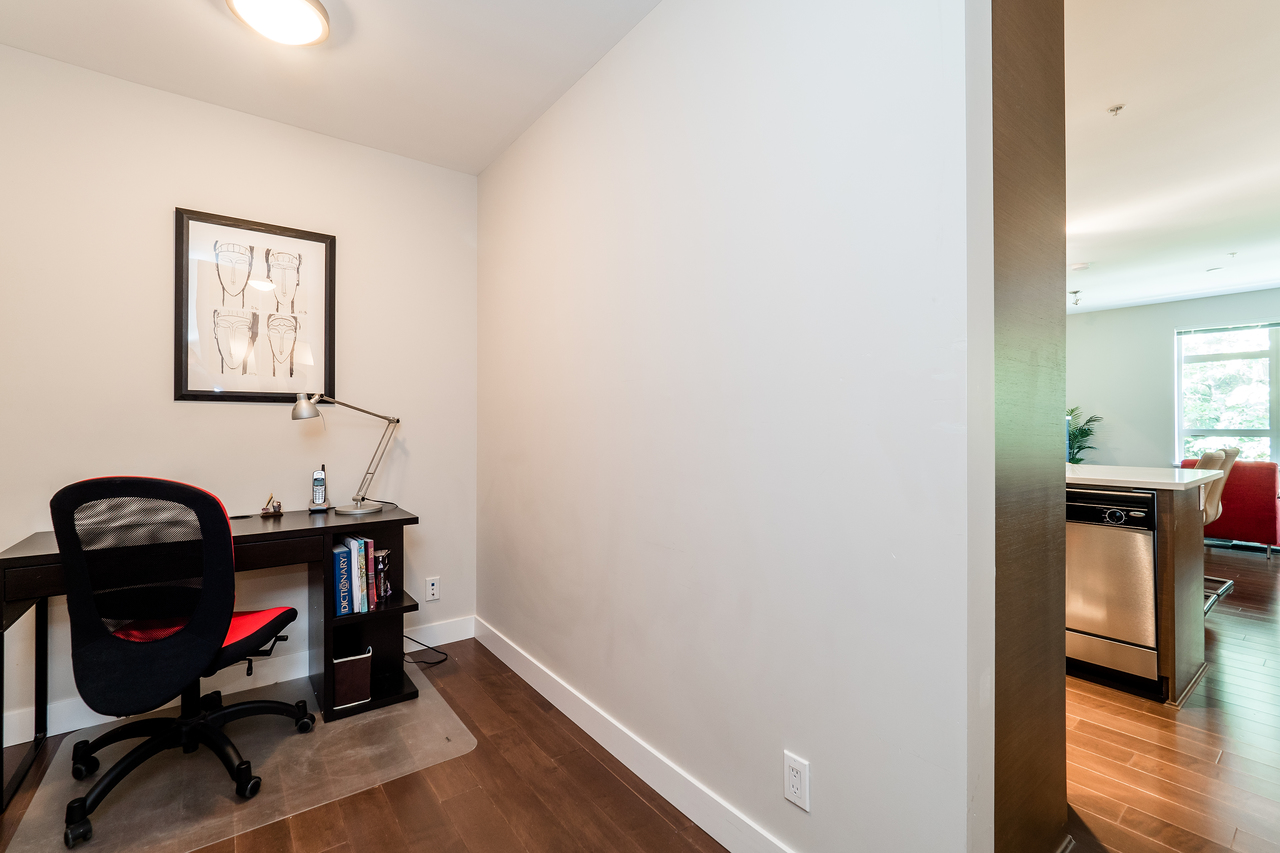 Den at 302 - 3294 Mt. Seymour Parkway, Northlands, North Vancouver