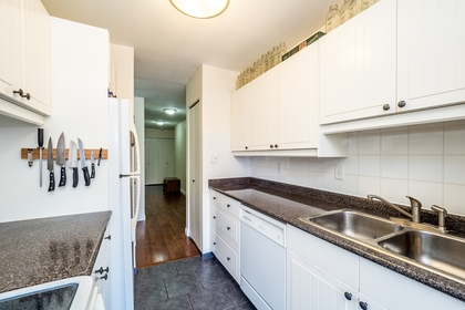 127e4-10 at 202 - 127 E 4th Street, Lower Lonsdale, North Vancouver